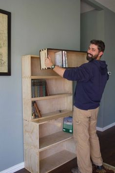 Because they are stackable and feature handles, the bookshelf and its contents are easy to move around.