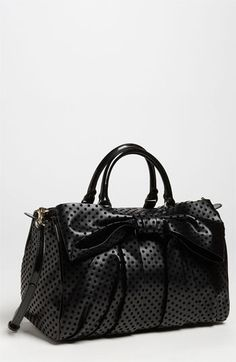 black and dots bag.