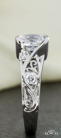 Diamond Filigree Engagement Ring. Green Lake Jewelry 112792