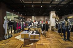 Riachuelo Pop Up Store by FAL Design Estratégico, Campos do Jordão – Brazil » Retail Design Blog