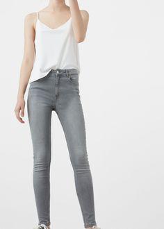 Jeans Noa (cinzento): MANGO (19,99€)
