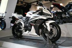 Honda CBR 600....     I want this. :)