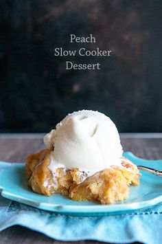 could use canned peach pie filling or just canned peaches too! Use your slow cooker for more than just dinner! Give this simple, Peach Slow Cooker Dessert recipe a try for a quick and easy weeknight dessert recipe! Slow Cooker Recipes Dessert, Crock Pot Desserts, Crock Pot Cooking, Crock Pot Slow Cooker, Just Desserts, Crockpot Recipes, Delicious Desserts, Dessert Recipes, Crock Pots