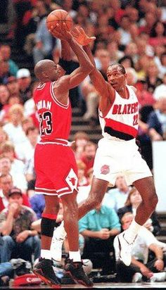 Michael Jordan and Clyde Drexler (Portland Trailblazers)