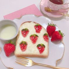 muse_pink - December 24 2018 at - Foods and Inspiration - Yummy Sweet Meals - Comfort Foods Recipe Ideas - And Kitchen Motivation - Delicious Cakes - Food Addiction Pictures - Decadent Lifestyle Choices Snacks Japonais, Japanese Snacks, Japanese Candy, Cute Desserts, Cafe Food, Macaron, Aesthetic Food, White Aesthetic, Sweet Treats