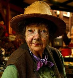 Margaret Olley *** Birthday 24 June (1923) *** http://en.wikipedia.org/wiki/Margaret_Olley ---- (the pin via Gilly)