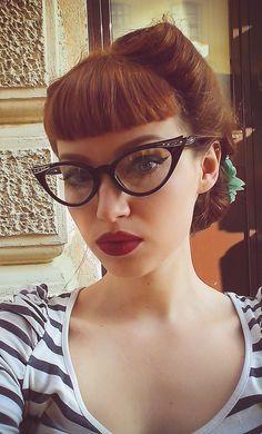 Cat Eye Full Rim Bohemian Retro Vintage Eyeglasses Pin Up Specs in Health & Beauty,Vision Care,Eyeglass Frames Moda Rockabilly, Looks Rockabilly, Rockabilly Fashion, Rockabilly Hairstyle, Retro Fashion, Luxury Fashion, Vintage Hairstyles, Hairstyles With Bangs, Trendy Hairstyles