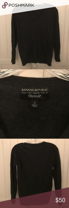 NEW! Banana Republic Sweater Charcoal gray Banana Republic v neck blend sweater with Filpucci yarn. Sweater is size S and 45% merino extra fine wool, 25% rayon/viscose, 20% nylon and 10% cashmere. Sweater is in very good condition with very minor pilling from the wool. Banana Republic Sweaters V-Necks