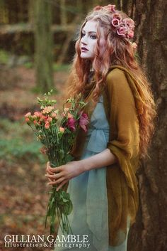 Bohemian Fae Ethereal Bride with wildflower bouquet
