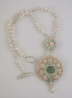Lovely pearly beaded necklace