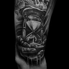 Bildergebnis für broken hourglass tattoo