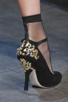 telojuropordior:    Dolce & Gabbana fall 2012.