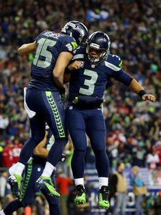 Kearse, Wilson celebrate 4th quarter touchdown