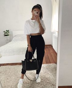 Thanya w on which sweatpants outfit do you prefer 1 or 2 limage contient peut tre une personne ou plus source by sweatpantsoutfit notitle source by laleeest sweatpant outfits cute Teen Fashion Outfits, Dope Outfits, Look Fashion, Fashion Women, Fashion Clothes, Girl Outfits, Black Outfits, Trendy Clothing, Hipster Fashion