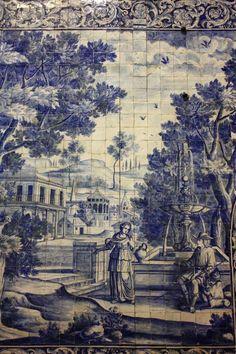 Este belo painel de azulejo, de autor desconhecido, encontra-se na igreja de S. Paulo, em Braga, e data de 1720.