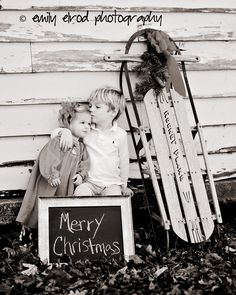 I have a sled like that that I have been dying to use...now I have some inspiration!  Love pinterest!