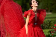 Kendall Jenner talks us through the Giambattista Valli x H&M collection- HarpersBAZAARUK H M Outfits, Spring Outfits, Kendall Jenner Interview, Fashion Shoot, Fashion News, Red Leather Trousers, Lace Denim Shorts, Italian Fashion Designers, Tulle Dress