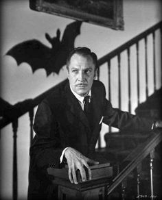 the bat Vincent Price a b movie horror whodunnit detectiove spooky thriller a fun night in watching black and white horror is complemented by this little film Classic Hollywood, Old Hollywood, Hollywood Icons, Hollywood Celebrities, Hollywood Stars, Vampires, Movie Stars, Movie Tv, Christopher Lee