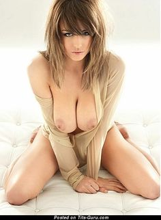 Danielle Sharp - nude brunette with big natural tots pic