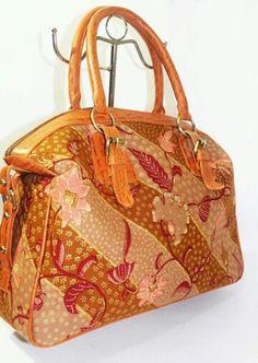 Menerima pembuatan tas dan clutch..whatsapp +6281310037425