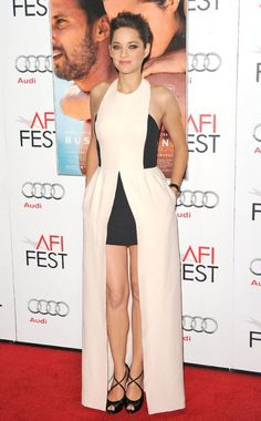 Marion Cotillard stuns in this black and white dior