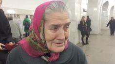 """Z metra za kulisy koncertu Aznavoura. Rosjanie poruszeni śpiewającą """"babcią Lidą"""" - http://www.tvn24.pl/wiadomosci-ze-swiata,2/starsza-pani-trafi-na-koncert-idola-dzieki-internautom,525809.html"""
