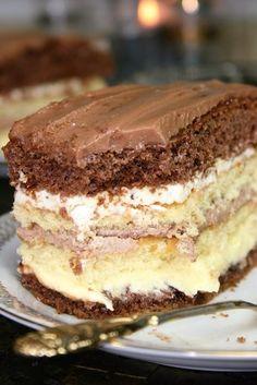 Jutro prawdopodobnie będzie dla mnie bardzo przyjemny dzień, i pewne ważne wydarzenie. By je uczcić, upiekłam to ciasto - jestem z niego ... Food Cakes, Easter Recipes, Tiramisu, Cake Recipes, Ale, Food And Drink, Favorite Recipes, Sweets, Bakken