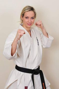 Female Martial Artists, Martial Arts Women, Kickboxing, Mma, Muay Thai, Jiu Jutsu, Kyokushin, Art Rules, Karate Girl
