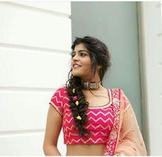 thatbohogirl Party Hairstyles, Indian Hairstyles, Wedding Hairstyles, Indian Fashion, Boho Fashion, Fashion Dresses, Fashion Design, Kurta Neck Design, Long Hair Video