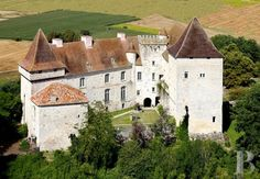 A 12th & 13th century, listed castle, in more than 20 ha, on the outskirts of the Quercy region - chateaux for sale France - in South-West, Perigord, Dordogne, Quercy, Limousin - Patrice Besse Castles and Mansions of France is a Paris based real-estate agency specialised in the sale of Castles / chateaux.