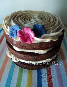 tarta de chocolate con frostind de chocolate
