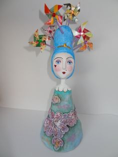 Marquesa dos Ventos - Wind Marquise - Paper mache doll by Carla Scheffer Cezar