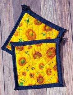 Pot Holders - Bright Yellow Sunflowers