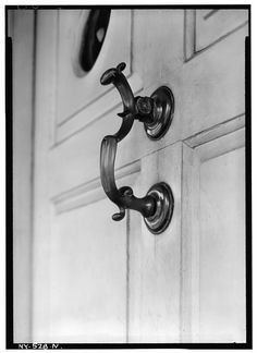 Historic American Buildings Survey (Fed.) Stanley P. Mixon, Photographer March 18, 1940, (N) EXT. DETAIL OF FRONT DOOR KNOCKER (BRASS). - Wyckoff-Bennett House, Kings Highway and HABS NY,24-BROK,39-13