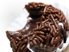 I recently published a post on Brazilian desserts and there I mentioned Brigadeiro. Well, now the whole Street Smart Brazil team has gotten together to show you how to cook Brigadeiro! And, yes, we ate it all at the end :) Continue reading for our video. 13 Desserts, Dessert Recipes, French Desserts, Plated Desserts, Brazilian Dishes, Brazilian Dessert, Brazilian Recipes, Comida Latina, Serious Eats