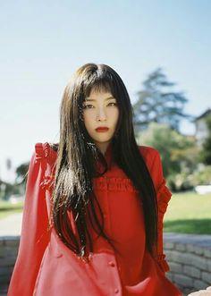Red Velvet - Peek-A-Boo - Seulgi
