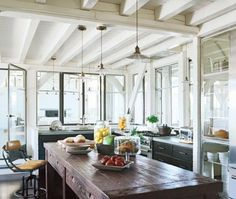 Browse Meg Ryan At Home, Elle Decor, June 2010 latest photos. View images and find out more about Meg Ryan At Home, Elle Decor, June 2010 at Getty Images. Celebrity Kitchens, Celebrity Houses, Celebrity Style, Meg Ryan, Beach House Kitchens, Home Kitchens, Coastal Kitchens, Custom Kitchens, Inside Celebrity Homes