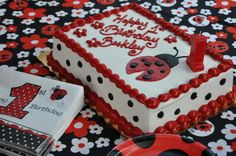 Only difference is this isn't our picture, but this is the design from Kaitlyn's bday***Little Lady Bug's First Birthday « Amanda Jean Ladybug Cakes, Ladybug Party, Ladybug 1st Birthdays, First Birthdays, Baby 1st Birthday, First Birthday Parties, Birthday Ideas, Bolo Lady Bug, Birthday Sheet Cakes