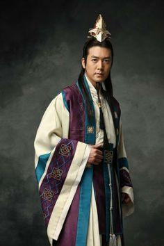 "Jo Hyun Jae in ""Su Baek Hyang, the King's Daughter"". Seo Hyun Jin, Hyun Jae, Korean Traditional Dress, Traditional Outfits, Asian Actors, Korean Actors, Drama Film, Drama Drama, Korean Hanbok"