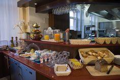 Anregend für alle Sinne. Passend zum südeuropäischen Ambiente lässt die offene Küche Blicke auf die dampfenden Pfannen und die frischen Zutaten zu. Sie können den Köchen bei der Arbeit zusehen und anschließend das Ergebnis auf Ihrem Teller genießen.