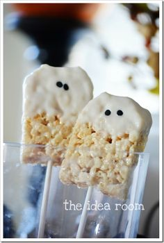 rice krispie bars halloween ghosts. Cute! #Halloween