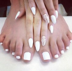 White almond shaped matching nails