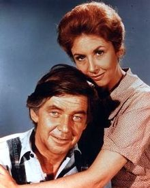 The Waltons - John & Olivia (Ralph Waite & Michael Learned) Old Tv Shows, Best Tv Shows, Favorite Tv Shows, Best Shows Ever, Family Tv, Family Show, The Waltons Tv Show, Walton Family, Ralph Waite