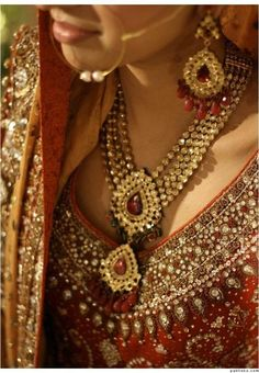 Desi Bride Details- excellent use of gem stones and a very North Indian, Rajastani touch :)