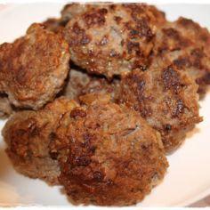 Jauhelihapihvit - Kotikokki.net - reseptit Cookies, Chicken, Meat, Ethnic Recipes, Desserts, Food, Crack Crackers, Tailgate Desserts, Deserts