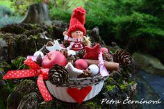 Vánoční+dekorace+Velikost+cca.+10+cm,+výška+10+cm.+-dárek+pro+děti+v+keramické+misce
