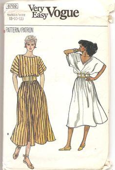 Patron rétro 1980' Vogue 8702 Robe Misses taille 8-10-12 Very Easy patron de couture Patron vêtements femme Robe ample kimono by aBirdOnMyHead on Etsy