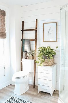 DIY Bathroom Ladder Easy and Inexpensive DIY Bathroom Storage Ladder with step by step instructions. Perfect solution for over your bathroom toilet. Boho Bathroom, Diy Bathroom Decor, Simple Bathroom, Bathroom Interior Design, Bathroom Designs, Neutral Bathroom, Industrial Bathroom, Bathroom Furniture, Indian Bathroom