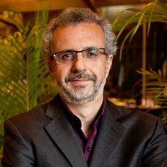 Ricardo Voltolini é uma dos primeiros consultores em sustentabilidade empresarial do Brasil. É diretor-presidente da Ideia Sustentável: Estratégia e Inteligência em Sustentabilidade, idealizador da Plataforma Liderança Sustentável. Leia seu artigo 'Storytelling a serviço de uma nova economia'.