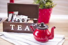 Klimatyczny domek za miastem do wynajęcia na romantyczny wieczór. Powitalny zestaw kawy i herbaty czeka na wszystkich Gości.
